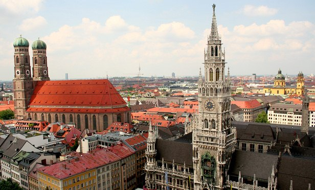 Kirkland & Ellis loses seven-partner team to Sidley in Munich
