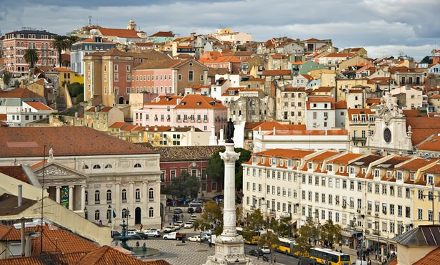 Lisbon_09882_Lisboa_Praça_don_Pedro_2006_Luca_Galuzzi-Article-201703061344